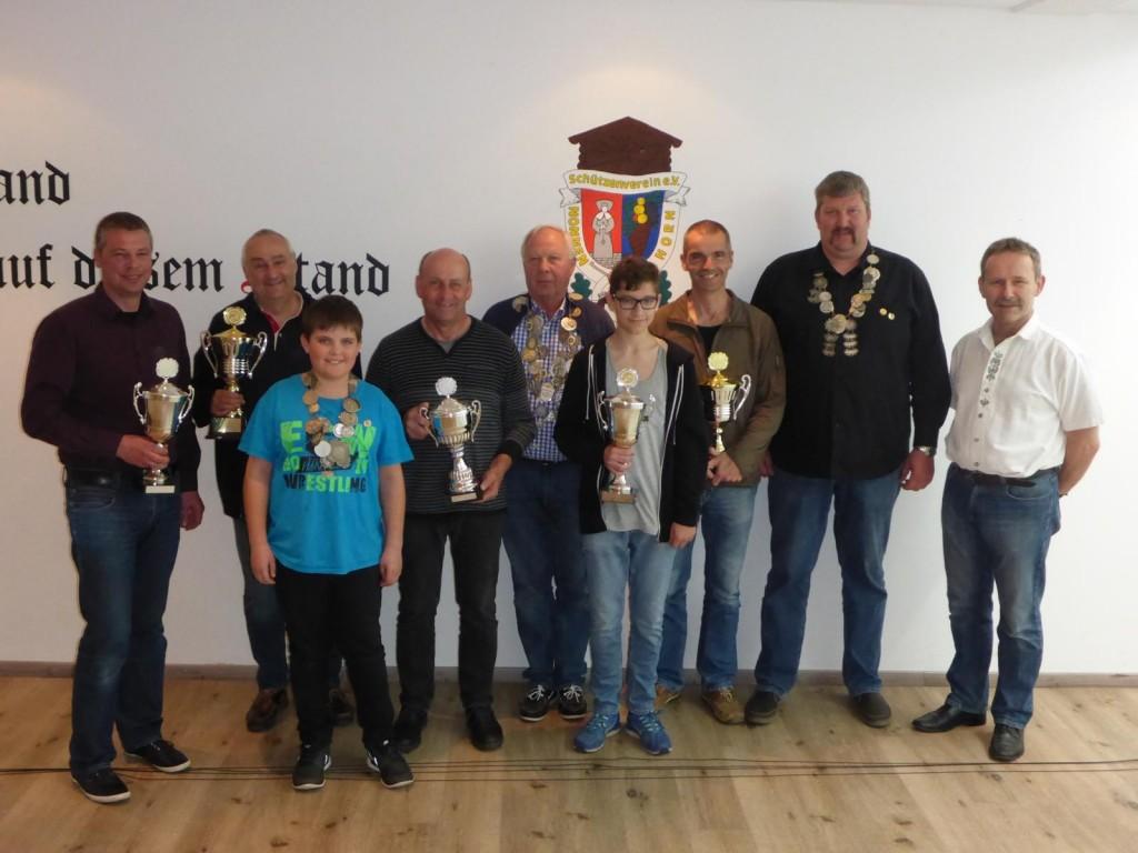 Die Sieger von der Saison 2015 - 2016
